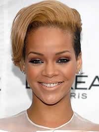 Rihanna: Não sinto falta de sexo