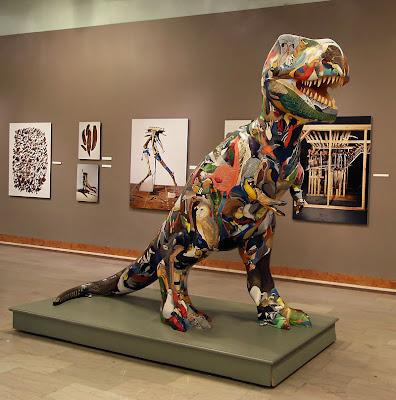 http://2.bp.blogspot.com/_zmOodflj2Gs/SEdiIu_CmYI/AAAAAAAAAFs/crfY7RLe_2Y/s400/t-rex.jpg