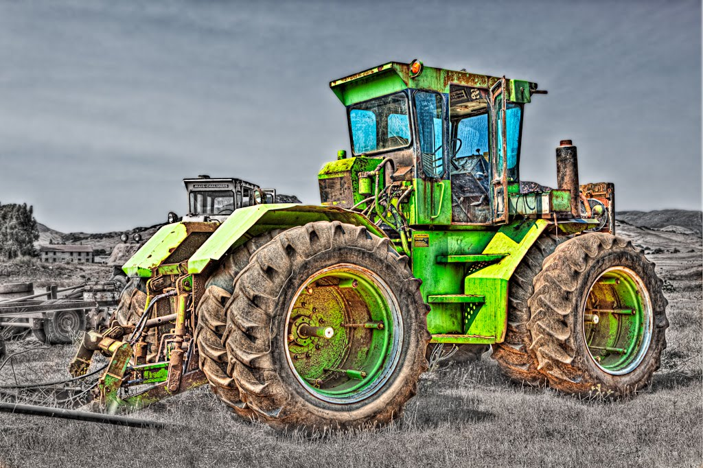 [Green_tractor_normal-Edit.jpg]
