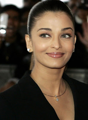 Aishwarya Rai Latest Romance Hairstyles, Long Hairstyle 2013, Hairstyle 2013, New Long Hairstyle 2013, Celebrity Long Romance Hairstyles 2363