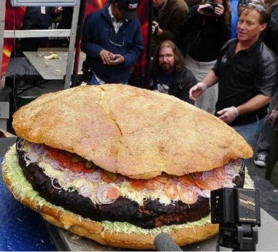 Biggest Hamburger Record of 590 Pounds