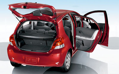 2011 Toyota Yaris Photos, Prices & Review