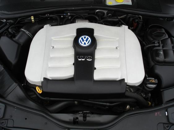Volkswagen Passat Wagon 2003. 2003 Volkswagen Passat W8