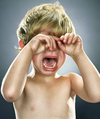 http://2.bp.blogspot.com/_zpc0GqGw_r4/SUzNP6Z8WfI/AAAAAAAAARc/diZQwQWZHr0/s400/HAND+FOLD+CRY.jpg