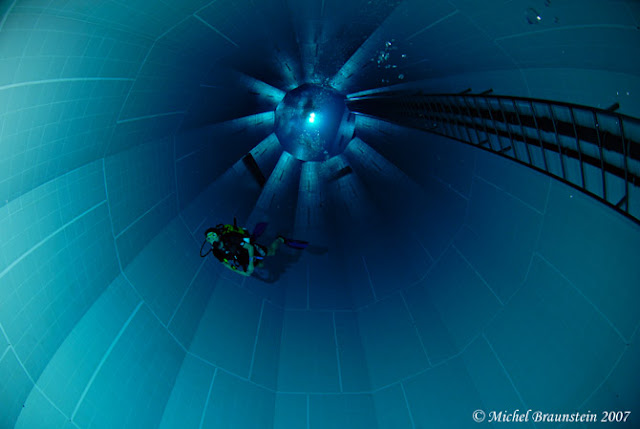 Dive Into The World 39 S Deepest Pool Nemo 33 In Brussels If It 39 S Hip It 39 S Here