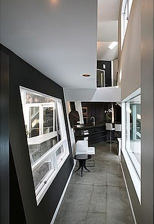 If It's Hip, It's Here (Archives): Wild Modernist Home For ...