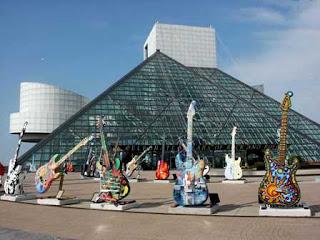 http://2.bp.blogspot.com/_zrA4yVqqFVE/TKJJgKiEnxI/AAAAAAAAALI/qVvqd8oSX_c/s1600/rock_and_roll_hall_of_fame_and_museum.jpg