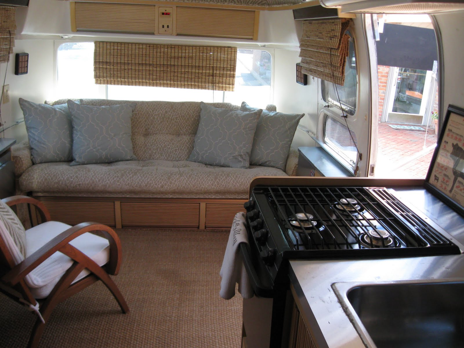 173 best airstream ideas images on pinterest airstream interior airstream remodel and curtains