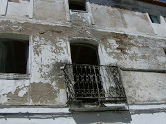 na parte velha da vila há mais de 200 casas ao abandono