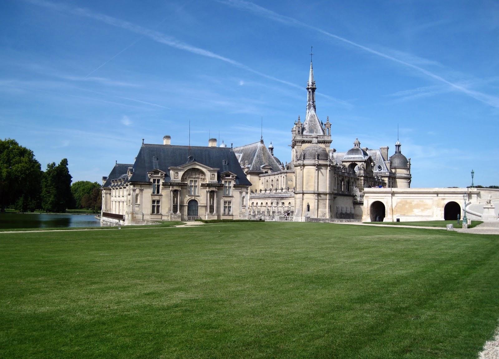 parisencore the day trip to chateau de chantilly. Black Bedroom Furniture Sets. Home Design Ideas