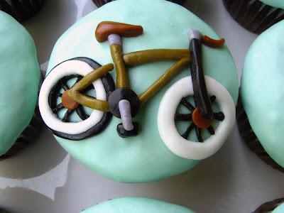 Bake Me Pretty Fixed Gear Bike Cupcakes