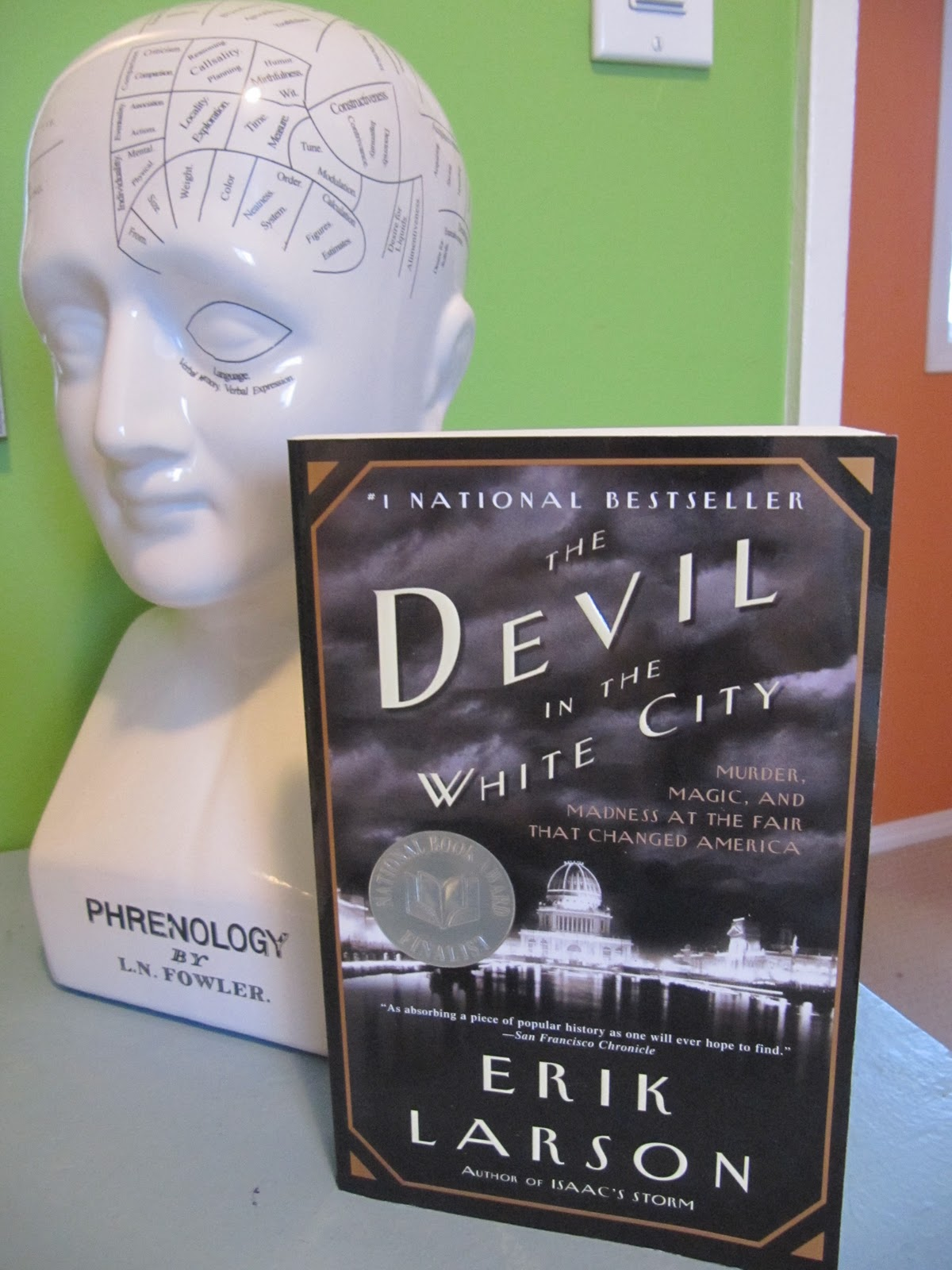 devil in the white city: murder, magic, and madness at the fair that changed america essay The devil in the white city murder, magic, and madness at the fair that changed america (book) : larson, erik : this new york times bestseller intertwines the true tale of the 1893 world's fair and the cunning serial killer who used the fair to lure his victims to their death.
