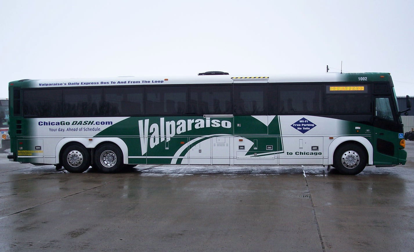 morse + harris marketing: city of valpo's chicago dash bus wraps