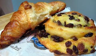 croissant et pain au raisins