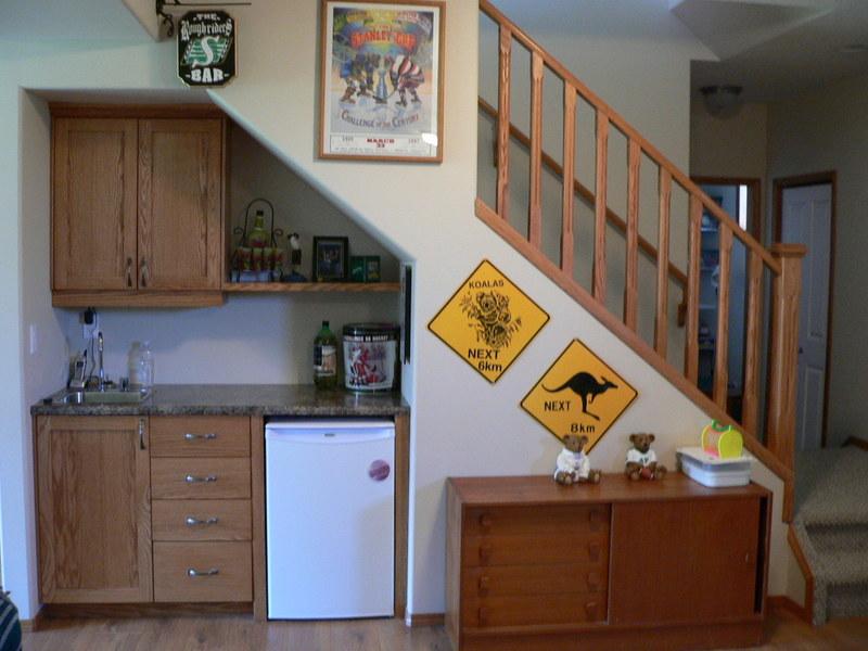 Dapur : jika ruang tangga posisinya didekat dapur maka ruang