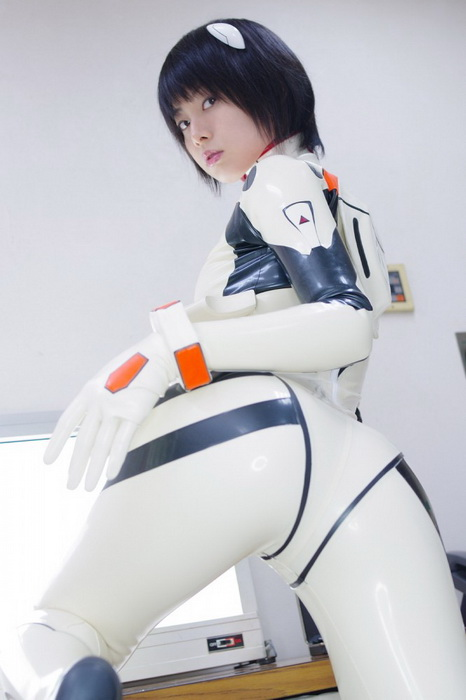 old 4 anime?: Rei Ayanami Plugsuit Cosplay
