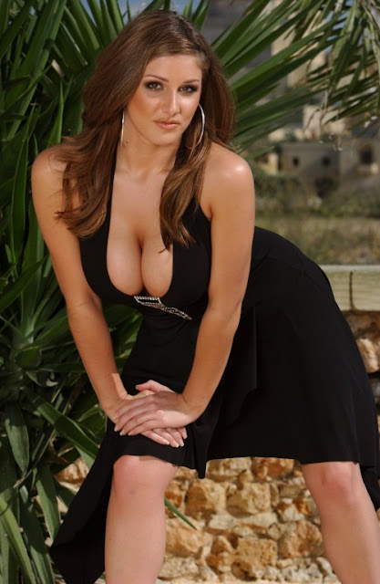 lucy pinder1