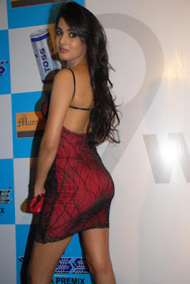 red hot sonal chauhan