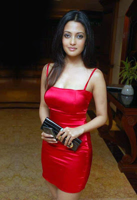 red hot riya sen