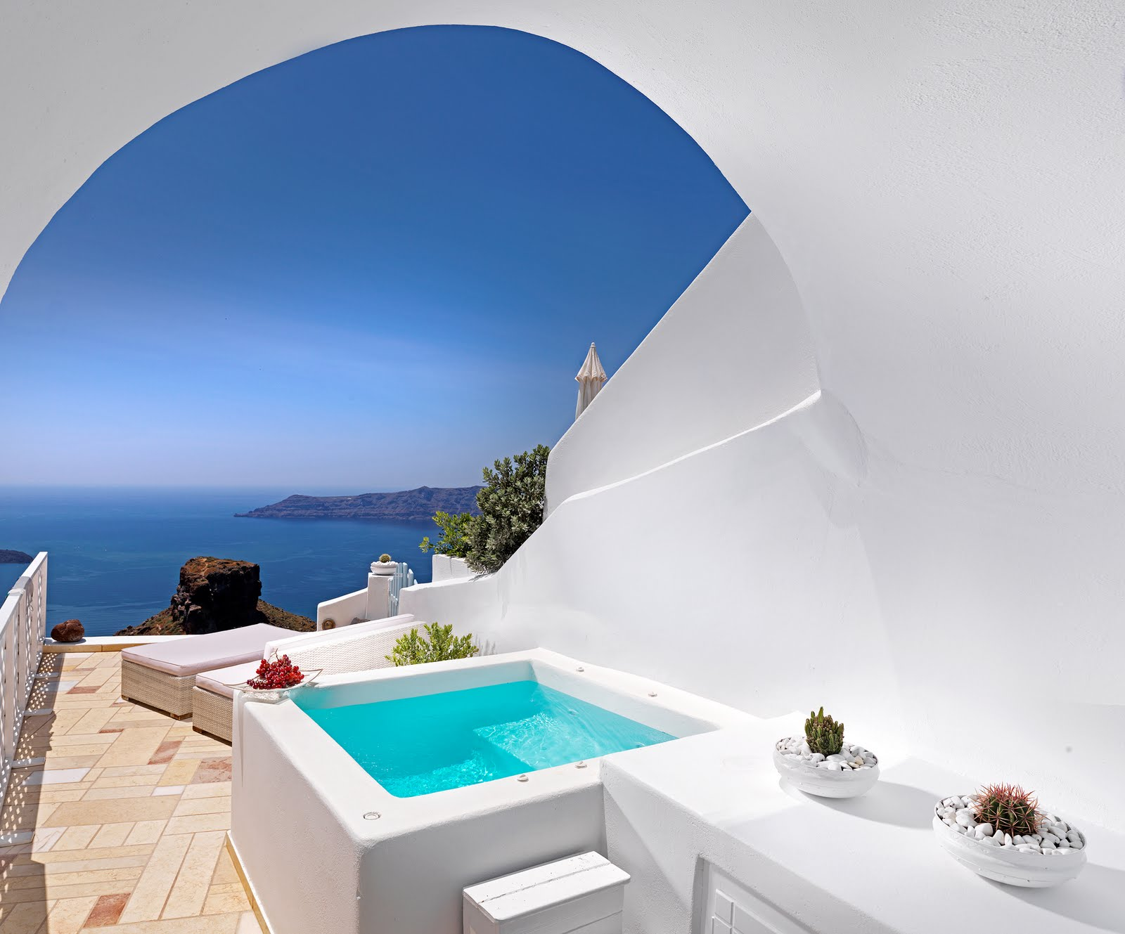Tholos resort santorini hotel santorini sights and attractions for Hotel a santorin