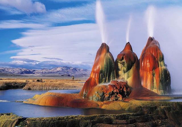 Fly Geyser – Nevada
