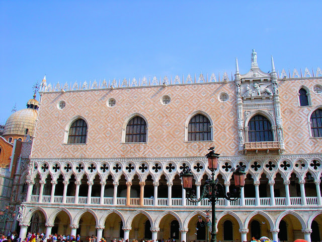 The fairy-tale Gothic architecture of the Doge's Palace is one the finest examples in the world.