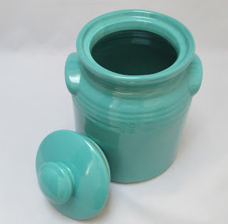 Turquoise Stoneware Cookie Jar Lid Off rim view