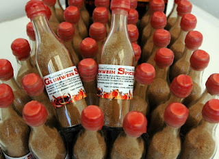 Cute German Gluhwein Spices in a bottle - Cute German Gluehwein Spices in a bottle