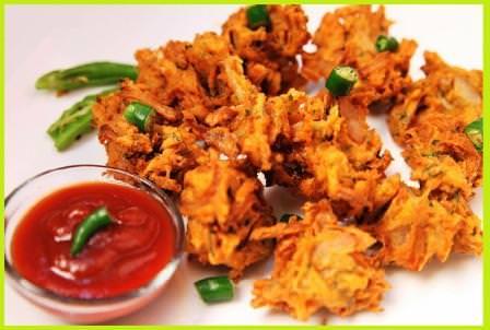 प्याज़ के पकोड़े बनाने की विधि | How To Make Pyaz Pakode Recipe in Hindi
