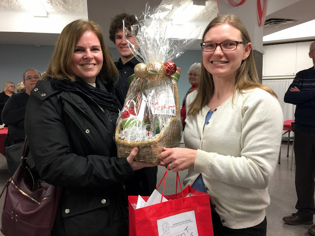 Martha gives out our door prize after our St. Thomas Concert in Stittsville