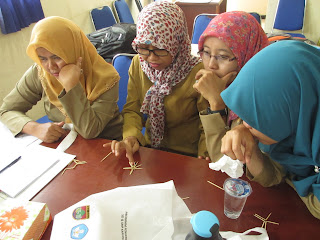 bediskusi pembelajaran project based learning