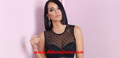 Şarkıcı Bengü'nün Fotoğrafı