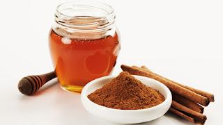 menghilangkan jerawat dengan kayu manis dan madu