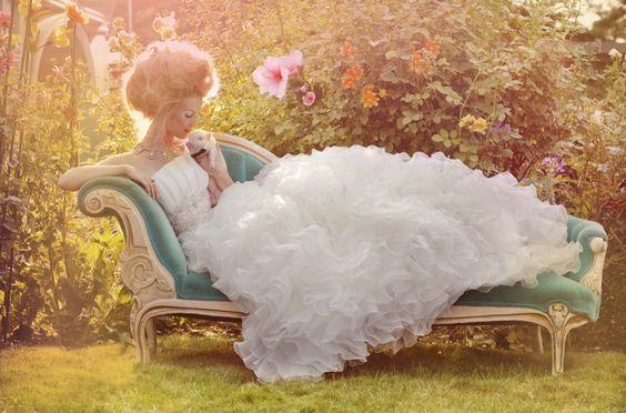robe de mariée d'inspiration marie-antoinette Reine de France par Vanessa Lekpa