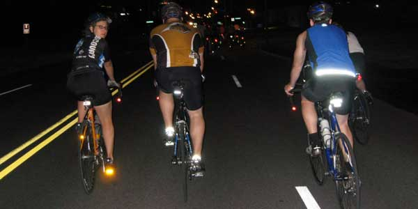 fashion review: A Safety Clothing Tips For Riding at Night