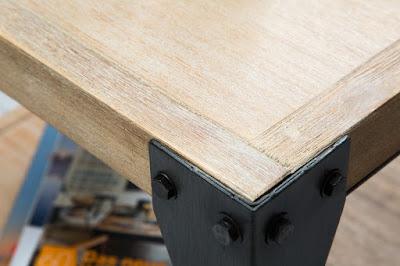 dizajnový nábytok Reaction, industriálny nábytok, nábytok z dreva a kovu
