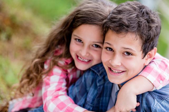 Cara Mengatasi Pertengkaran Kakak dan Adik agar Selalu Akur/Rukun