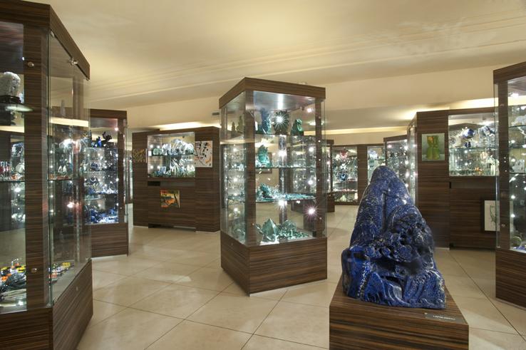 I profumi della mia casa le pietre delle meraviglie for Negozi arredamento milano e provincia