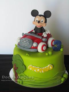 O Mickey foi de carro ao 3º aniversário do Afonso