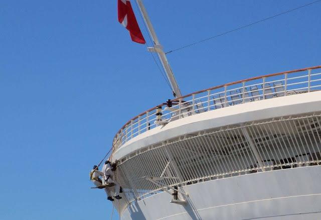 cruise ship small repair in Funchal port