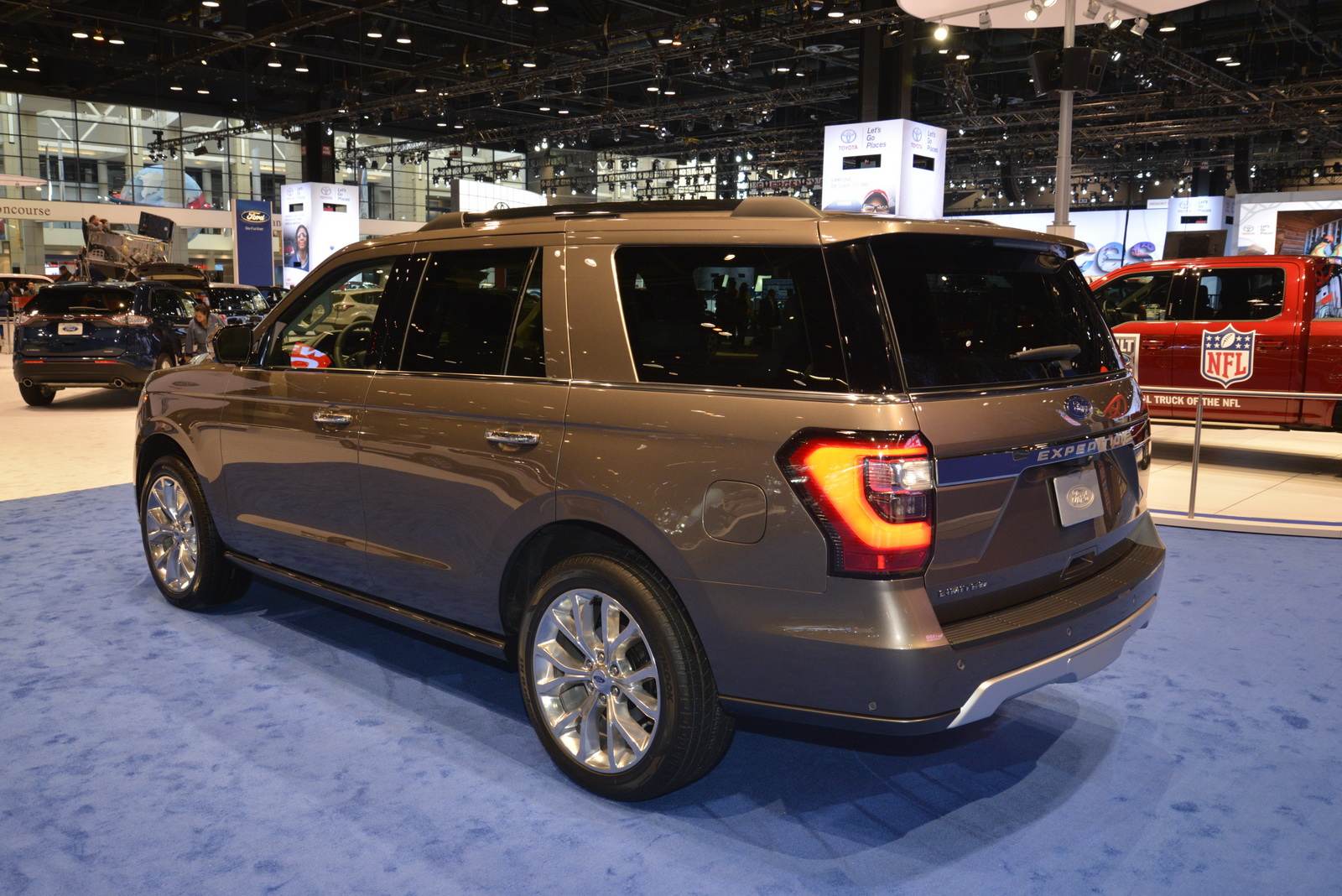 2018 ford expedition is the new big kid on the block. Black Bedroom Furniture Sets. Home Design Ideas