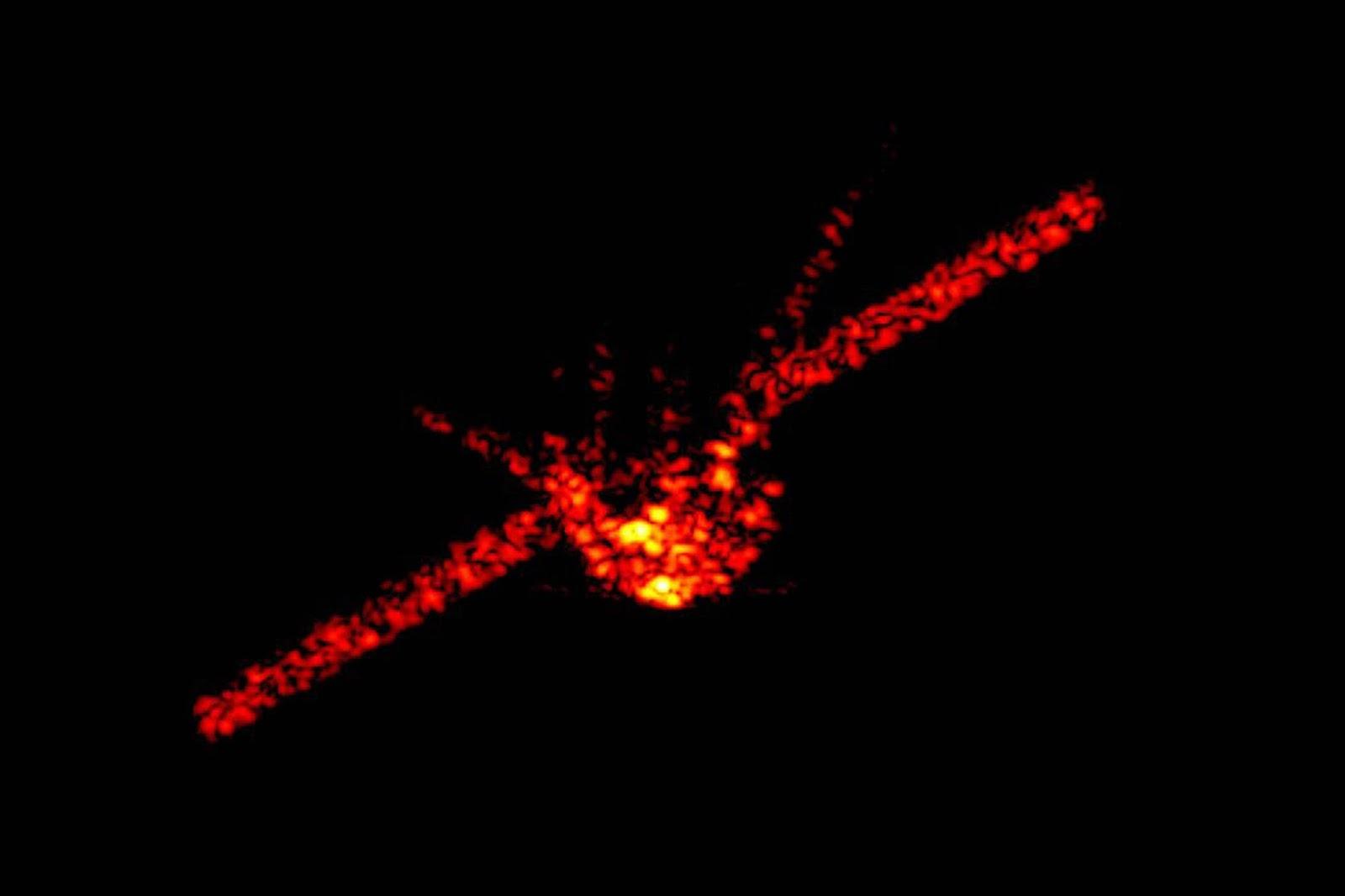 Montagem da Estação Espacial Chinesa em chamas