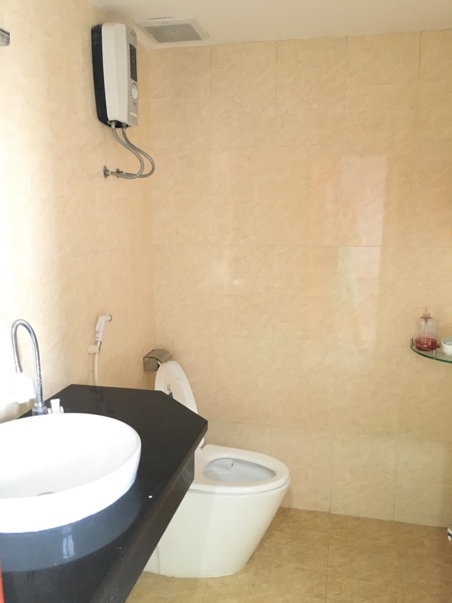 Luxury Seaview Apartment For Rent In Son Thinh Building