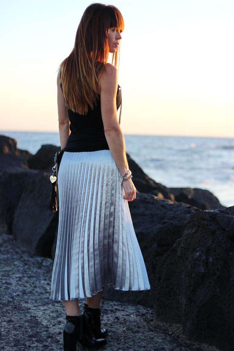 Falda tablas, falda plateada, streetstyle, bbeautifulbymaria, fashion blogger, Lanzarote 2016,