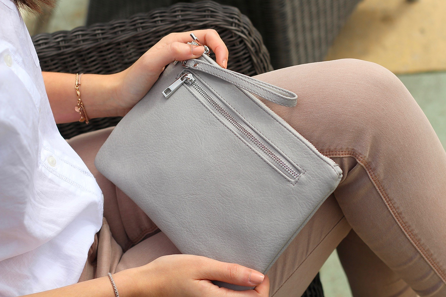 grey clutch matalan peexo