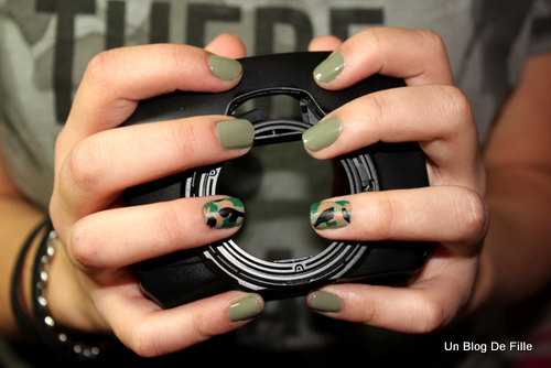 http://unblogdefille.blogspot.fr/2013/02/army-nail-art-camouflage-militaire.html