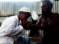 SUBHANALLAH. Meski Beda Keyakinan, Ayah Ini Tetap Biayai Anaknya Nyantri di Pesantren Papua