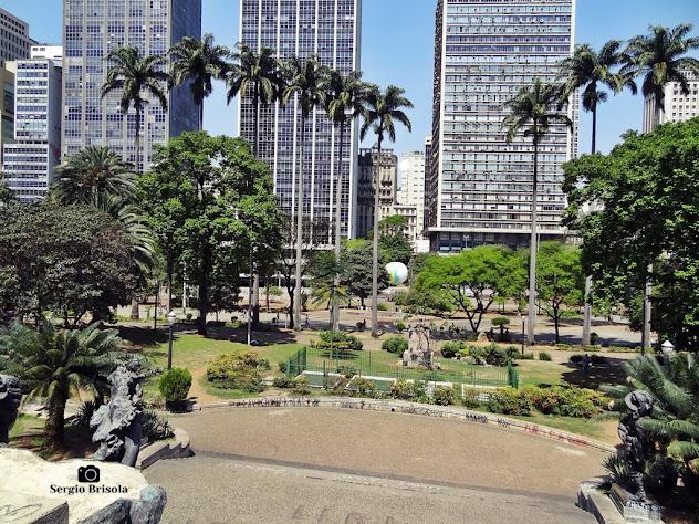 Vista ampla da Praça Ramos de Azevedo - Centro - São Paulo