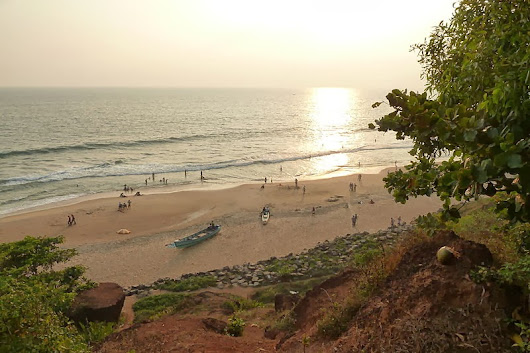 Varkala Beach| Papanasam Beach| Sivagiri Mutt| famous for Sunset view, calm cool beach| Alternative Kovalam