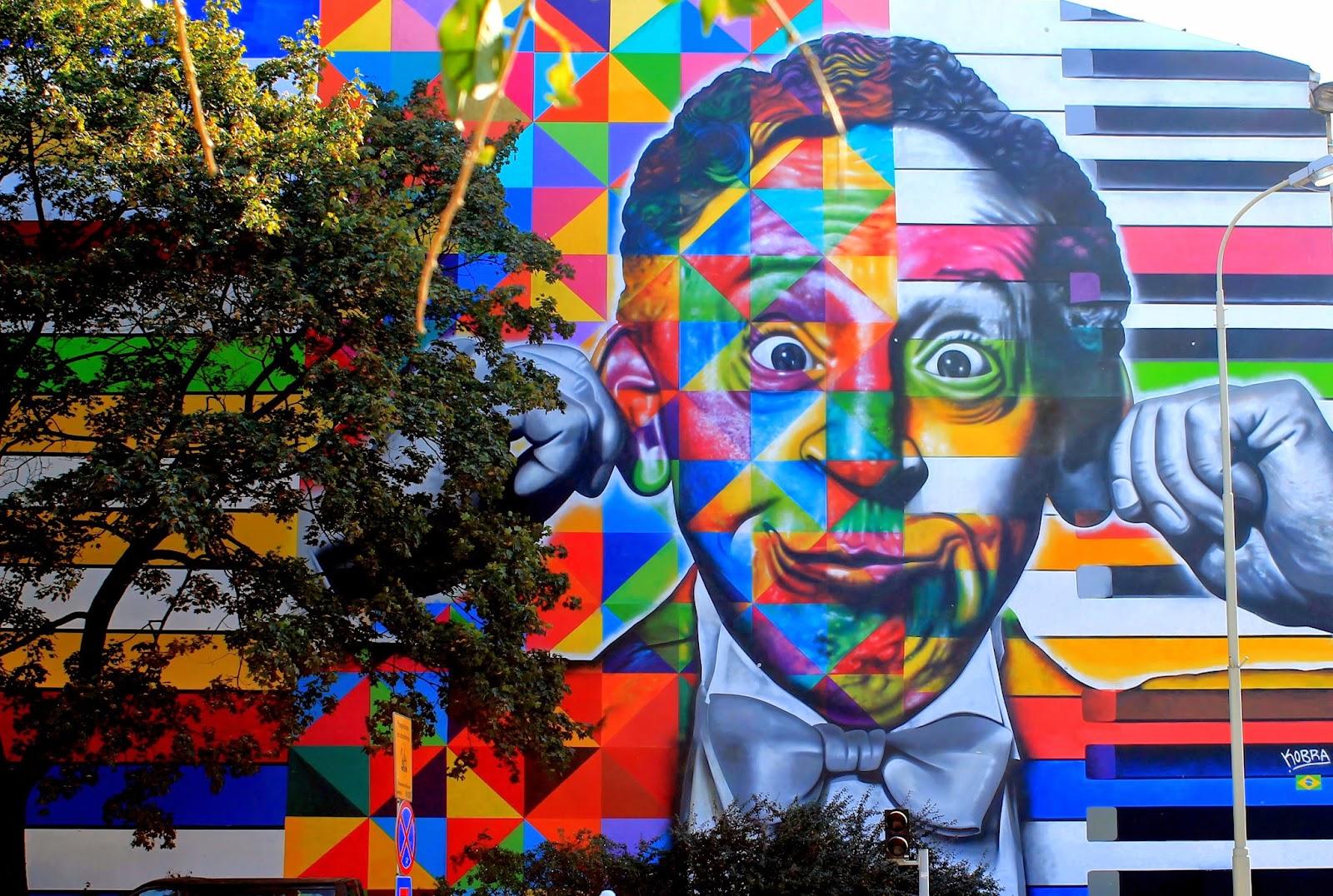 Baedeker dzki mural u zbiegu ulic traugutta i sienkiewicza for Mural na tamie w solinie